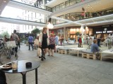 Berlin Mall dancing