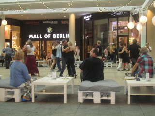 Dancing in Berlin Mall